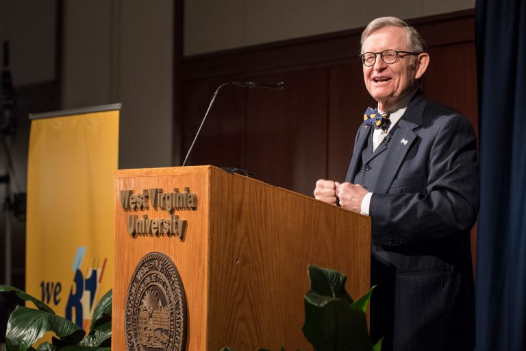 University Governance in Crises with Dr. Gordon Gee | Changing Higher Ed 049